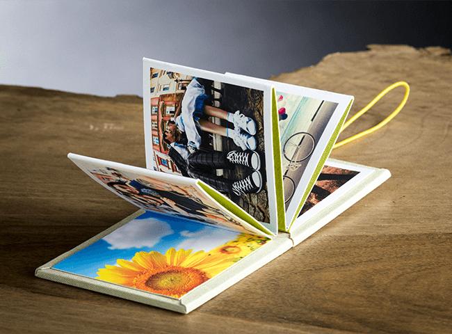 Minibook, mini album a fisarmonica stampato in fine art su carta cotone e rivestito a mano in tela